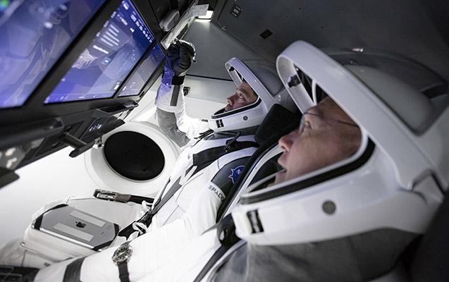 """""""SpaceX"""" bu gün ilk dəfə fəzaya insan göndərəcək"""