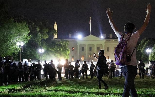 Etirazçılar Ağ Evin qapısında, Tramp orduya əmr verdi