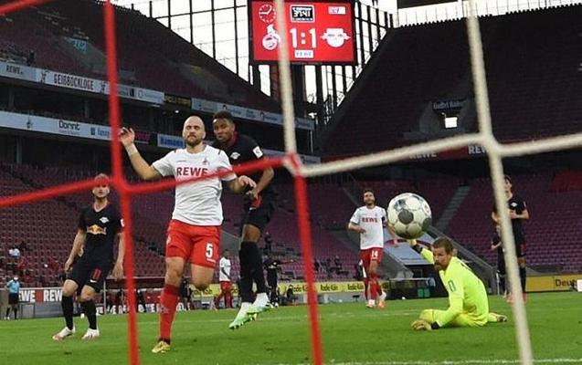 Bundesliqada turun son matçında 6 qol