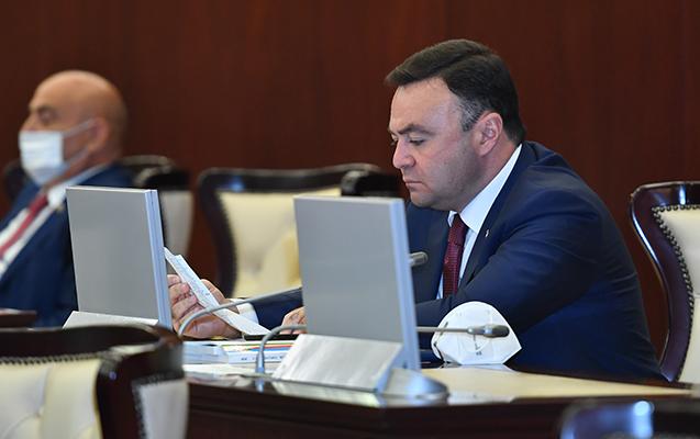 Deputat fəaliyyətinə dair hesabat verdi