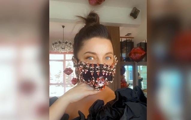 350 minlik maskasına görə tənqid olundu - Video
