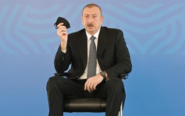 """""""Mən bütün qapalı yerlərdə tibbi maskadan istifadə edirəm"""" - Prezident + Vi ..."""