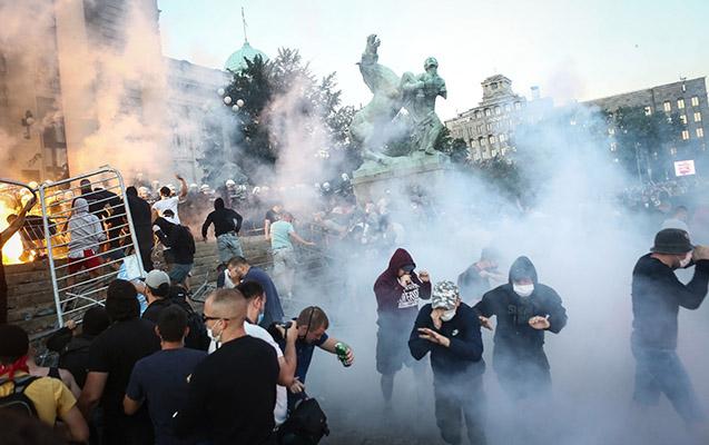 Serbiyada iğtişaşlar zamanı 36 nəfər xəsarət alıb