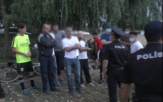 Futbol oynayan 25 nəfər cərimələndi- Foto