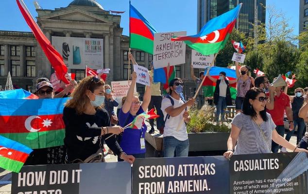Vankuverdə yaşayan azərbaycanlılar izdihamlı aksiya keçirdi