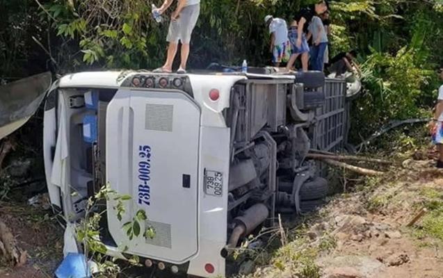 Vyetnamda turistlərin avtobusu aşdı, 14 nəfər öldü