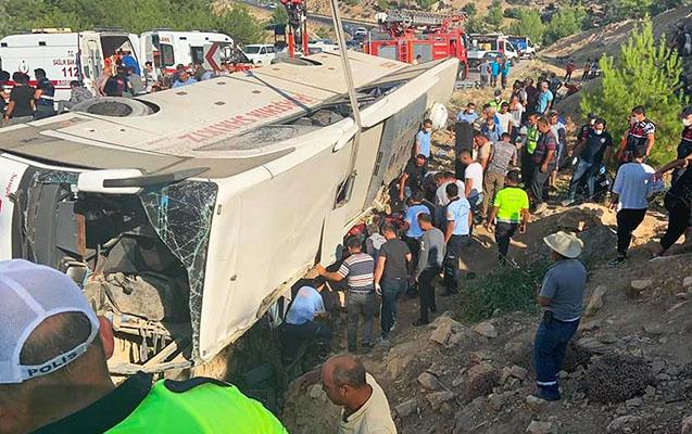 Türkiyədə əsgərləri daşıyan avtobus aşdı