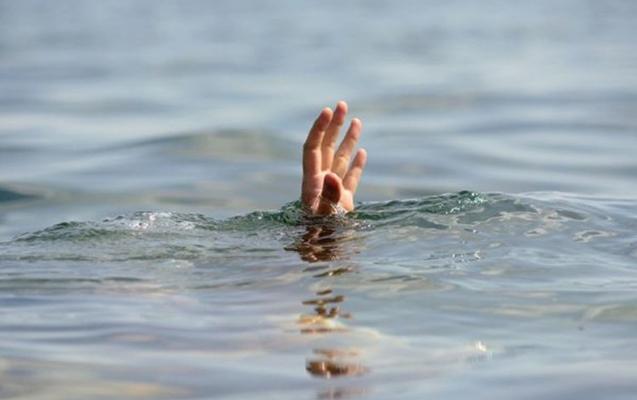 Üç nəfər dənizdə batmaqdan son anda xilas edildi