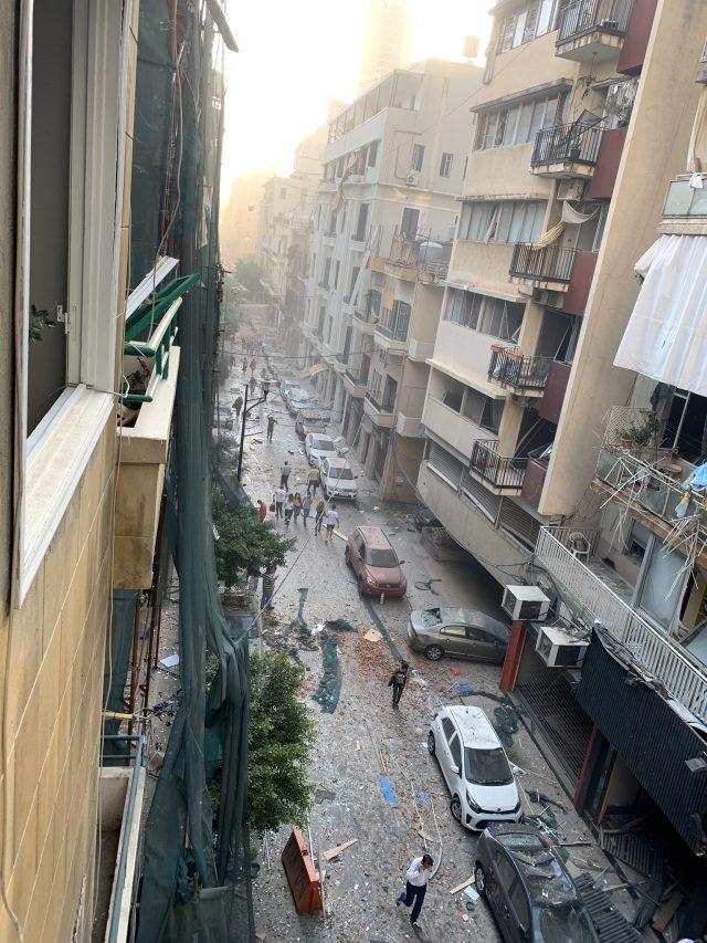 Beyrut partlayışdan sonra - Fotolar