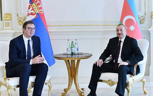 Serbiya Prezidenti Əliyevə zəng vurdu - Silah məsələsi müzakirə edildi