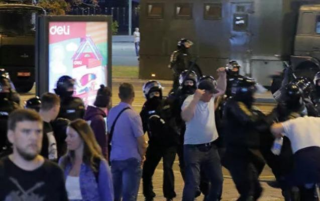 Minskdə etirazçılarla milis arasında toqquşmalar - Yenilənib
