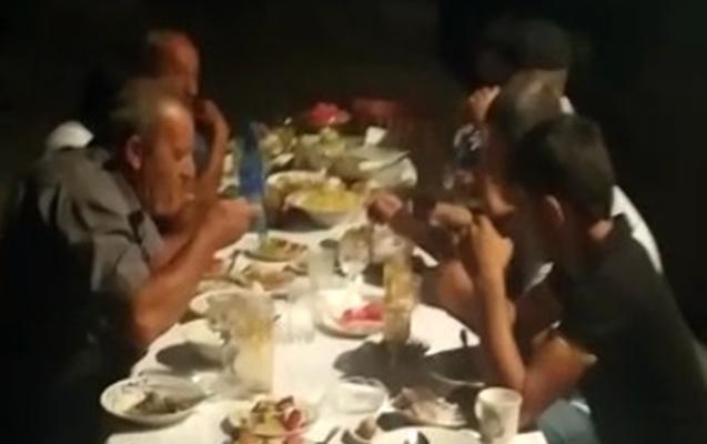 Nəvələrinə ad günü keçirən babalar saxlanıldı - Video