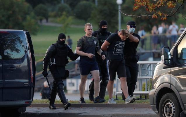Belarusda daha 2 min nəfər saxlanıldı