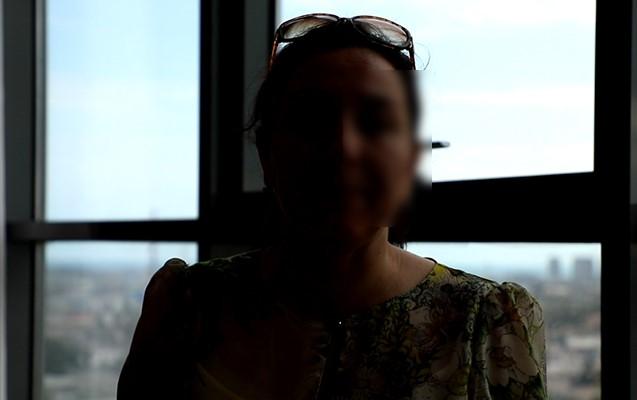 """""""Məni döyüb uşaqların gözü qarşısında alt paltarlarımı balkondan həyətə atırdı"""""""