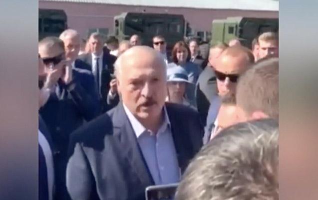 Lukaşenko etirazçı ilə belə mübahisə etdi