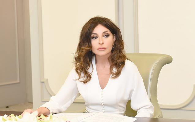 """""""Mehriban Əliyeva milli-siyasi elitamızın qadın obrazıdır"""""""