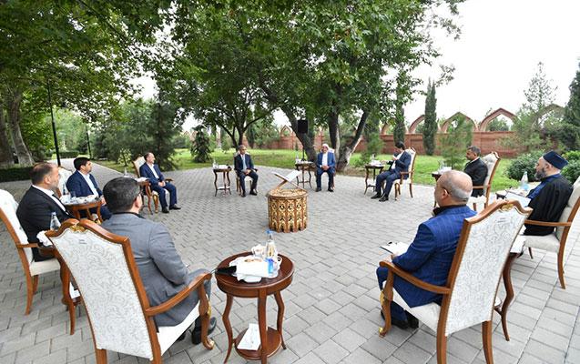 Prezidentin köməkçisi Gəncədə din xadimləri ilə görüşdü