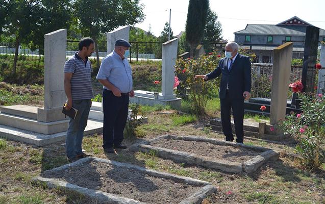 Alı Alıyev naməlum 14 şəhidin məzarı ilə bağlı tapşırıq verdi