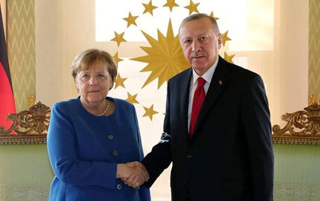 Ərdoğanla Merkelin video formatda görüşü oldu