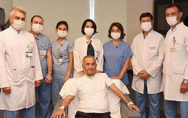 """4 aylıq komadan sonra ilk sualı """"niyə hamı maska taxır?"""" oldu"""