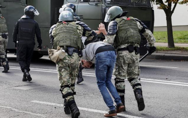 Minskdə etiraz aksiyası, saxlanılanlar var
