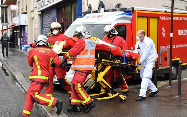 """""""Charlie Hebdo""""nun keçmiş binasında bıçaqlı hücumun səbəbi açıqlandı"""