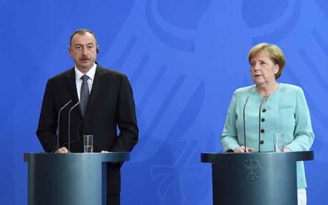 İlham Əliyevlə Merkel arasında telefon danışığı oldu