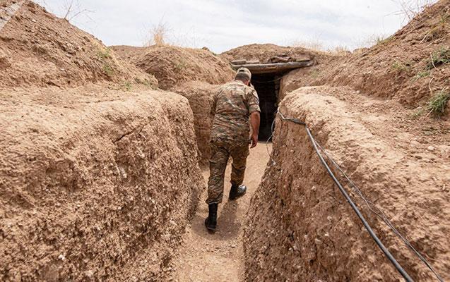 Tonaşendə erməni taboru mövqeləri qoyub qaçır
