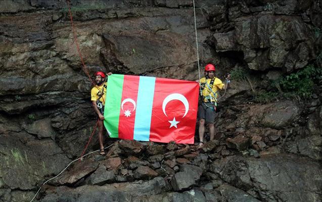 Türkiyəli alpinistlər Azərbaycana belə dəstək oldular