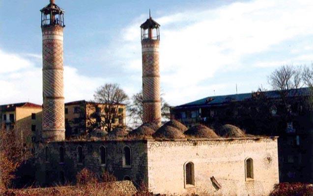 Ermənilər 403 tarixi dini abidəyə vandalizm siyasəti həyata keçirir