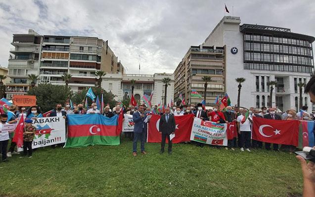 İzmirdə Fransa Konsulluğunun qarşısında aksiya
