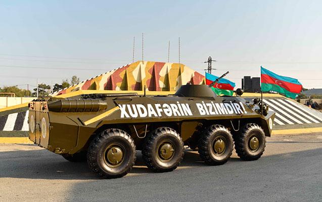 DSX-yə BTR-70M hədiyyə edildi