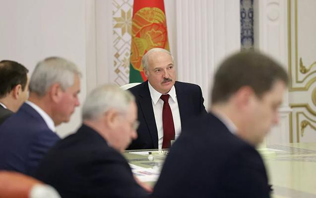 Lukaşenko DİN rəhbərini işdən çıxardı