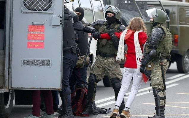 Belarusda etiraz aksiyaları, saxlanılanlar var