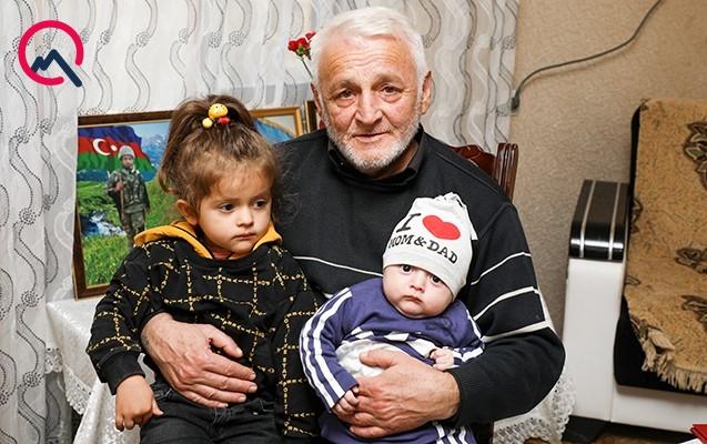 """Şəhid ərini çiyinlərində daşıyan Firuzə - """"Son borcum idi"""""""