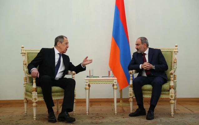 Lavrov Ermənistan prezidenti və Baş naziri ilə görüşdü