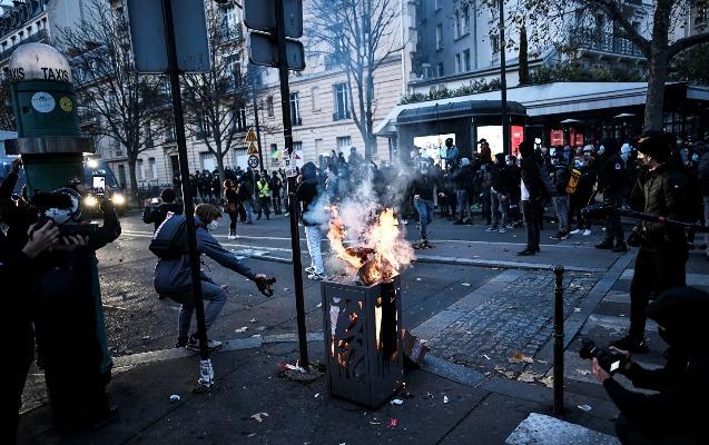 Parisdə etiraz aksiyası
