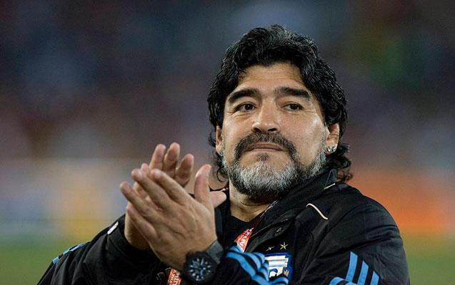 Maradona dünyasını dəyişdi