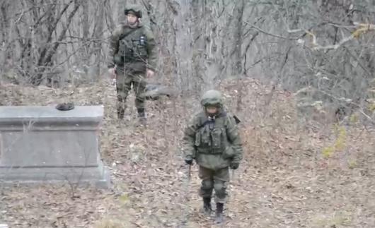 Rus hərbçilərin Şuşa yolunu minalardan təmizləmə