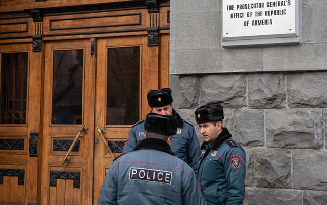 İrəvanda etirazçılar Paşinyana cinayət işinin açılmasını tələb edir
