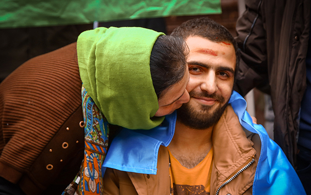 Döyüşdə bir ayağını itirən 23 yaşlı Abbas belə qarşılandı