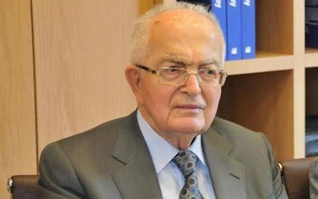 Türkiyənin keçmiş müdafiə naziri vəfat etdi