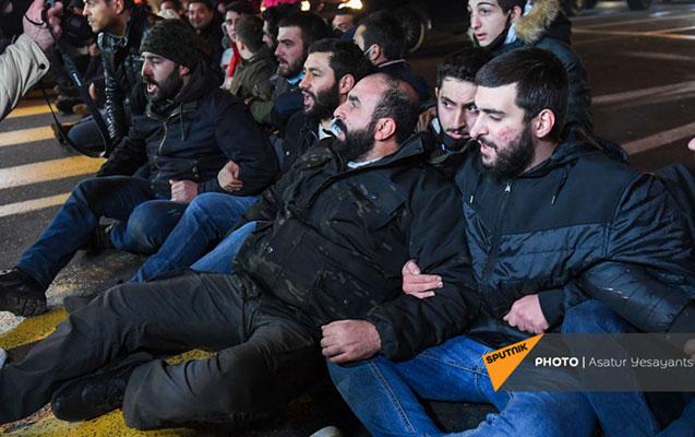 Yerevanda küçələri bağlayan aksiyaçılar saxlanıldı