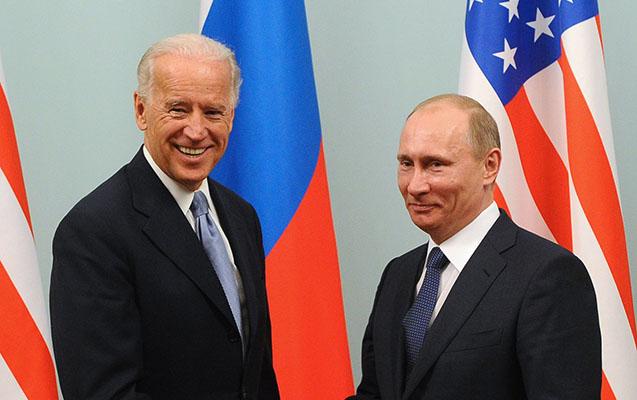 Putin Baydeni təbrik etdi