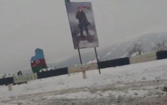 Ermənilər üçün ən strateji yerə Mübarizin şəkli vuruldu - Foto