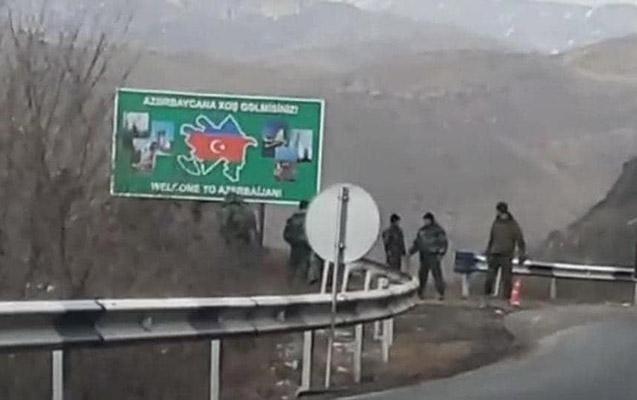 """Gorus-Qafan yolunda """"Azərbaycana xoş gəlmisiniz!"""" yazıldı"""
