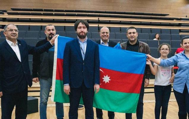 Teymur Rəcəbov Aronyana qalib gəldi
