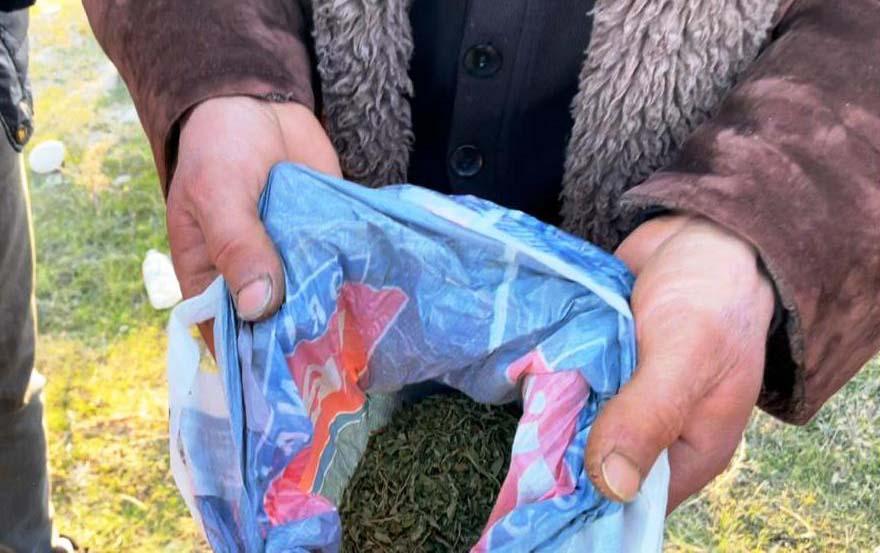 Əlindəki torbada yarım kiloqram narkotik aşkarlandı