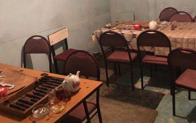 Sabirabadda karantin rejimini pozan çayxana aşkarlandı