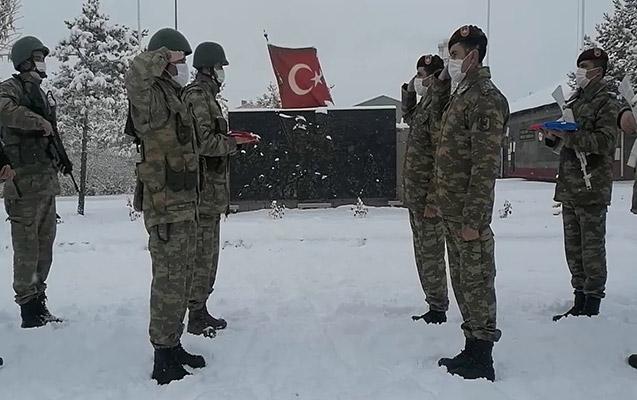 Hərbçilərimiz təlimlər üçün Qarsa getdi - Video